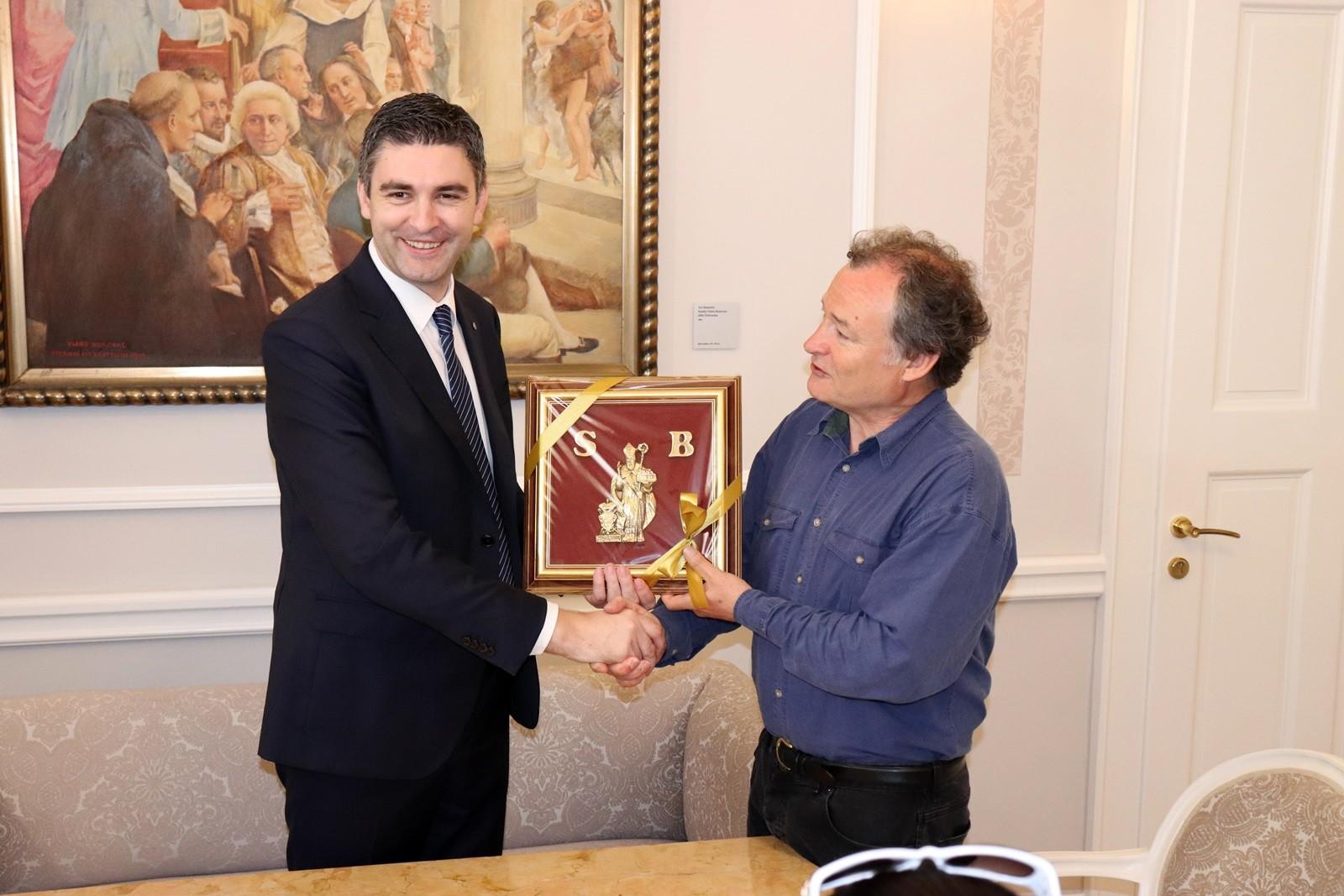 Gradonačelnik Franković primio britanskog ratnog reportera Paula Daviesa