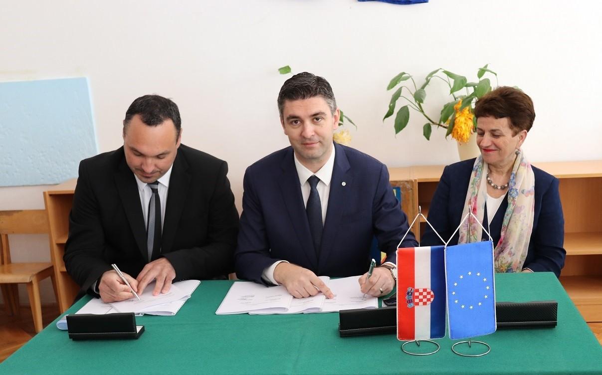 Potpisan ugovor za energetsku obnovu vrtića Izviđač