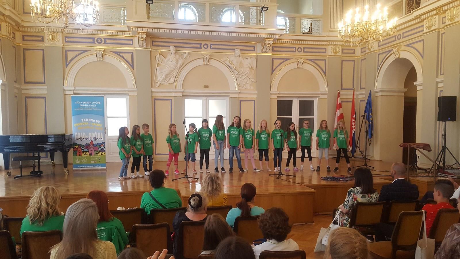 Predstavnici Grada Dubrovnika i Društva Naša djeca Dubrovnik na 13. susretu gradova i općina prijatelja djece u Varaždinu