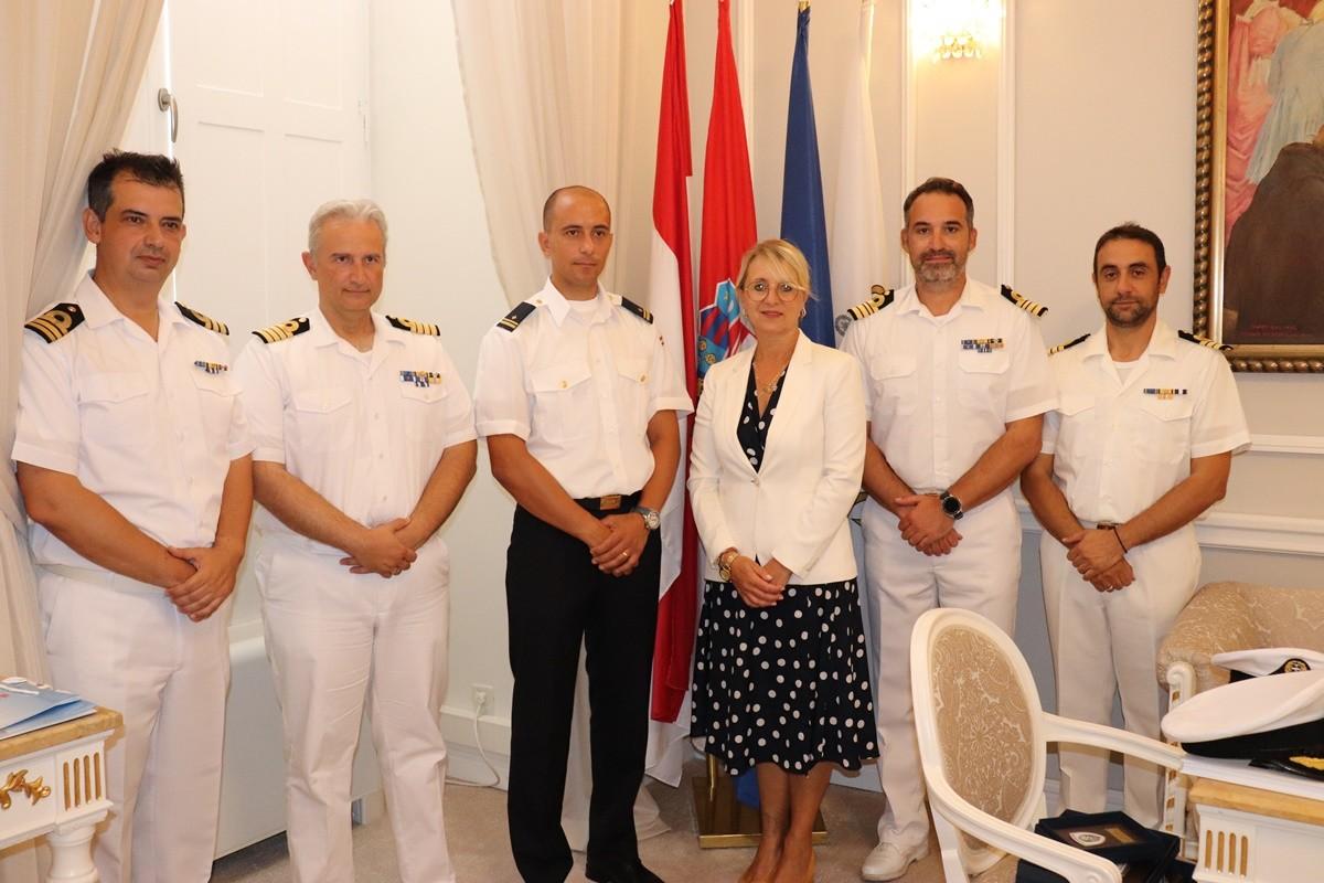 Zapovjednici grčkih školskih brodova ratne mornarice na prijemu u Gradu