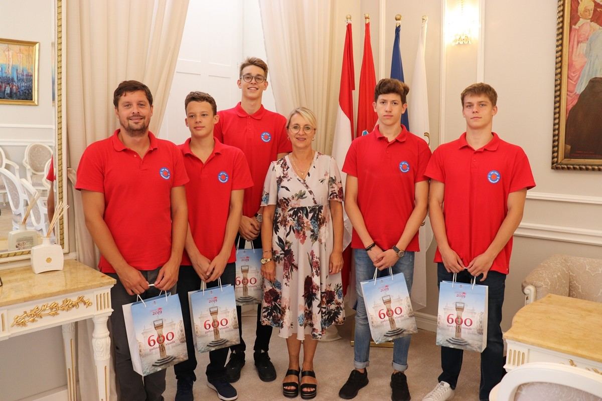 Plivački klub Jug na prijemu kod zamjenice Tepšić