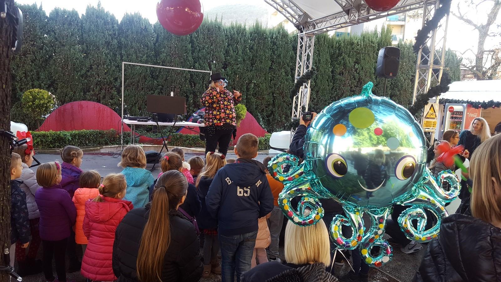 Tonka Balonka Show u Uvali Lapad razveselio djecu