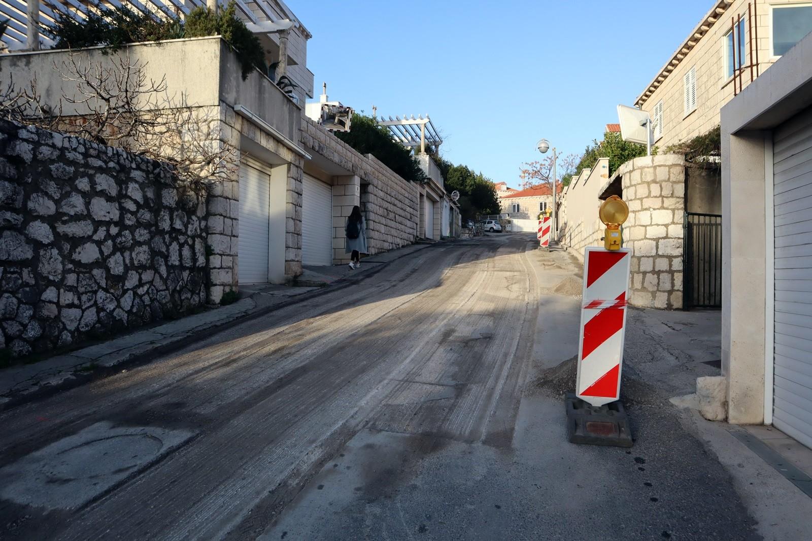 Novi asfaltni zastor u ulicama Gabra Rajčevića i Mihajla Hamzića