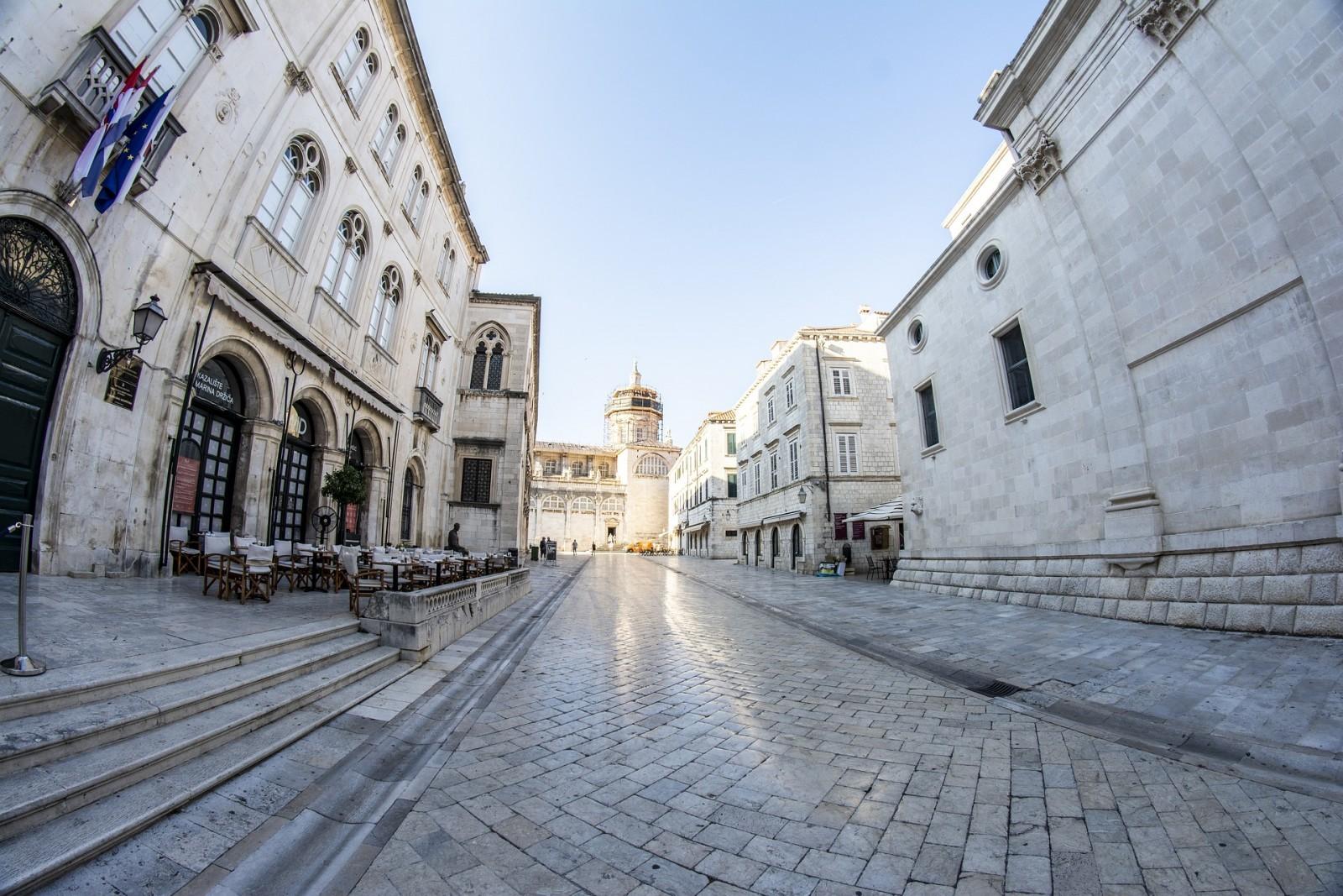 Grad Dubrovnik uvodi preventivnu mjeru – komunikacija sa strankama telefonom i e-mailom