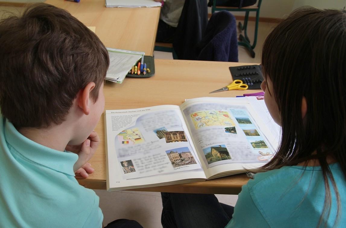 Grad nabavlja udžbenike i radne materijale za osnovnoškolce