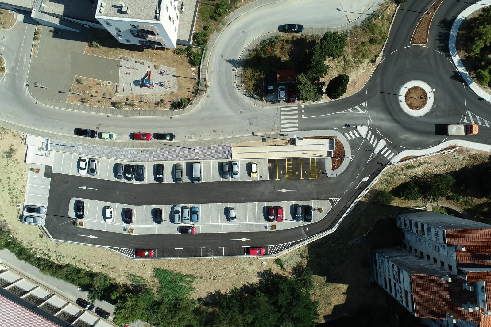 Završeno parkiralište s kružnim tokom u Mokošici kapaciteta 72 mjesta