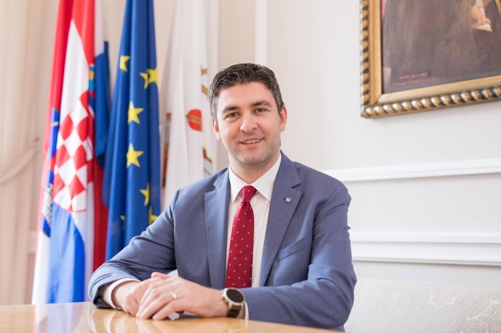 Uskrsna čestitka gradonačelnika Mata Frankovića
