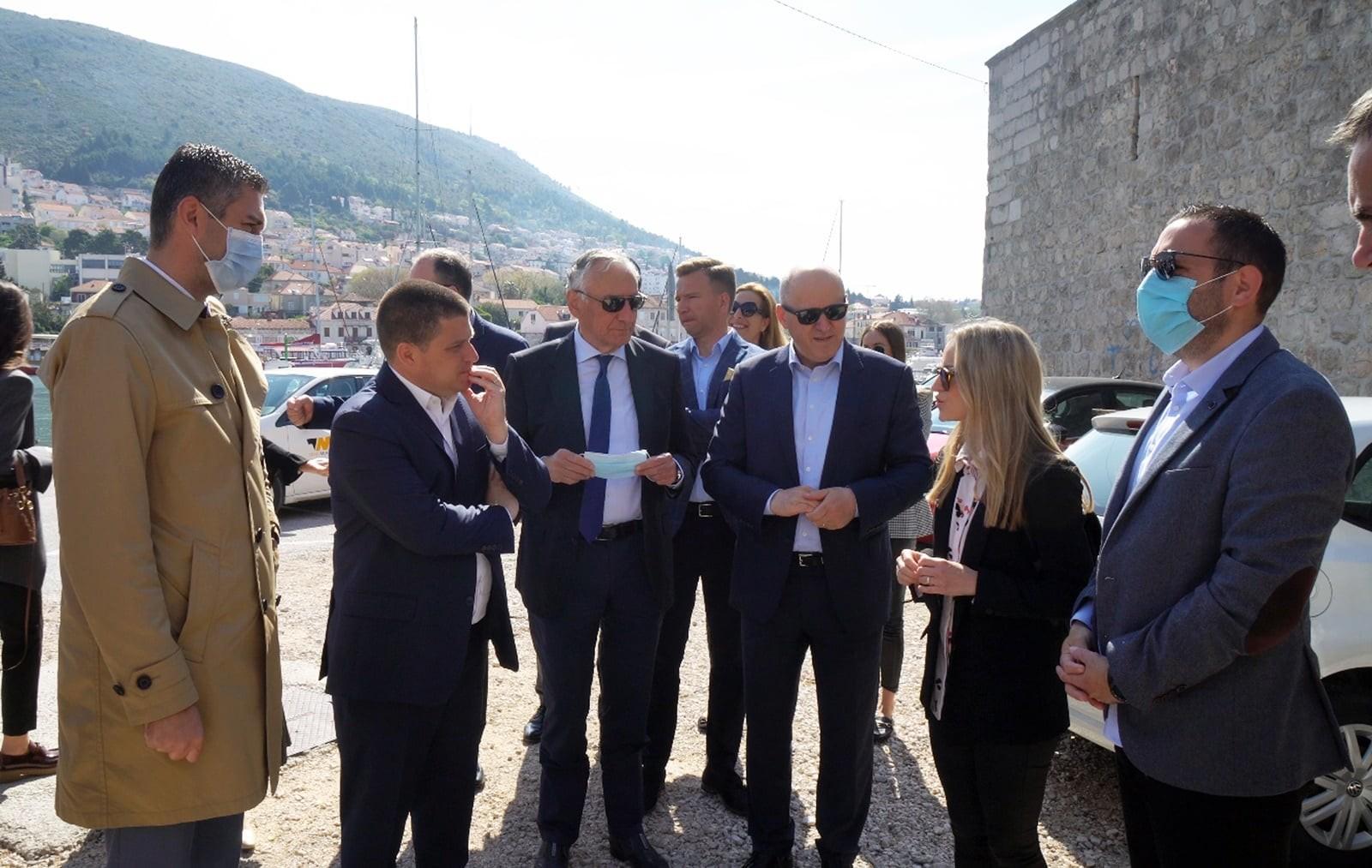 Gradonačelnik Franković i ministar Butković obišli gradilište na Lapadskoj obali