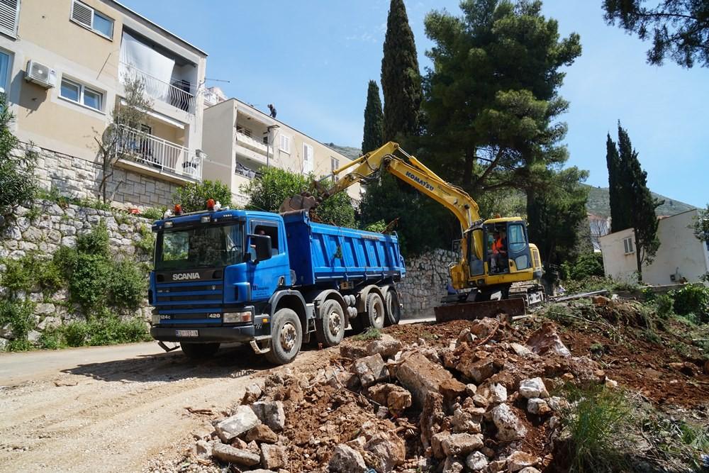 Započela prva faza rješavanja pitanja parkinga TUP-ovog naselja