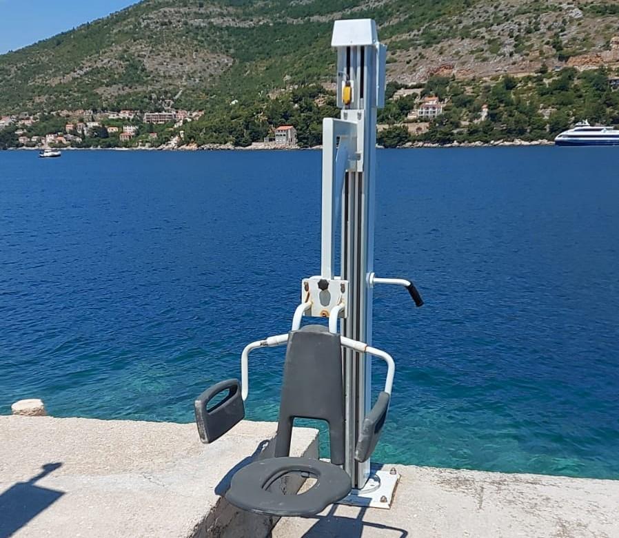 Grad Dubrovnik postavio dizala za osobe s invaliditetom na četiri dubrovačke plaže