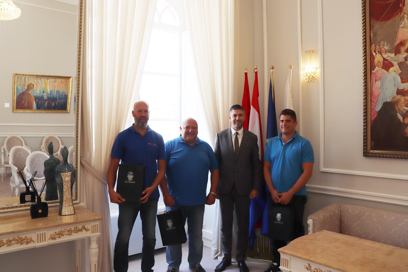 Zlatni vozači Auto kluba Dubrovnik Racing na prijemu kod gradonačelnika