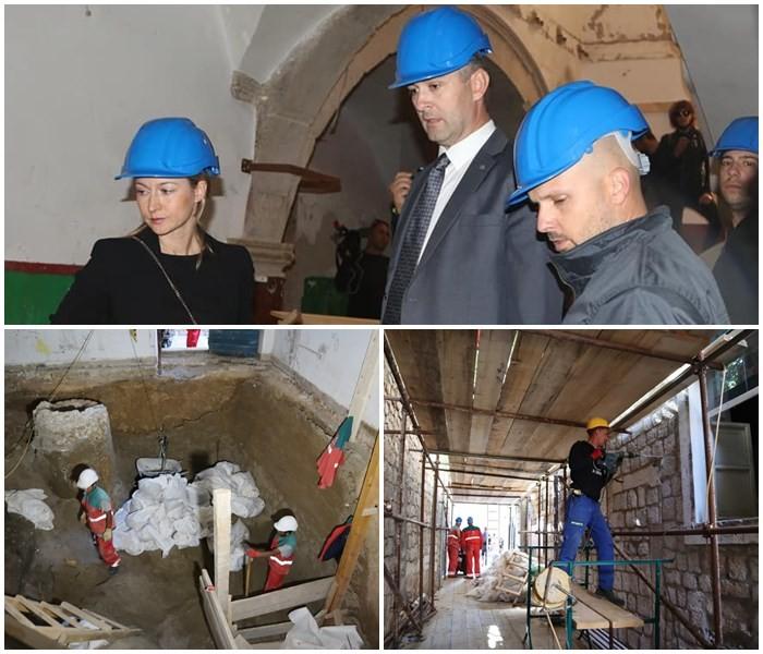 Gradonačelnik Franković obišao radove obnove i uređenja škole u povijesnoj jezgri