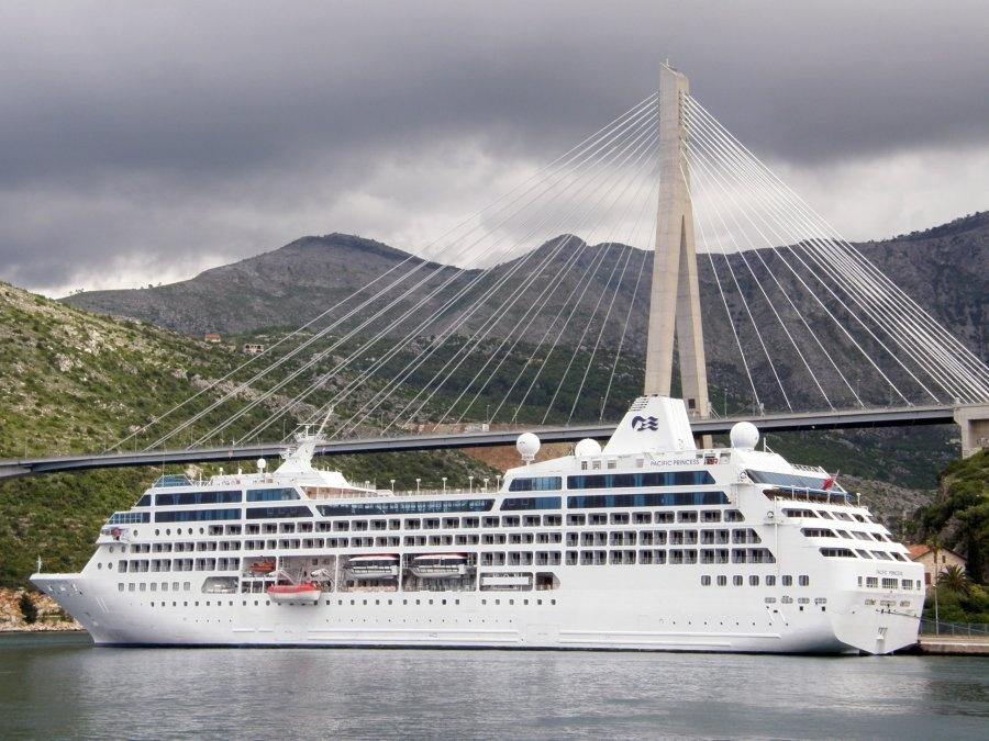 Gradonačelnik pisao krovnom udruženju cruise industrije: Čvrsto stojimo pri postavkama o manjem broju istovremenih dolazaka brodova