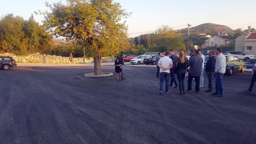 ULAGANJA U GORNJA SELA: Sanirana cesta kod Kliševa, Gromači parkiralište