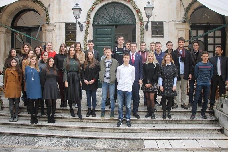Potpisani ugovori sa stipendistima Grada Dubrovnika