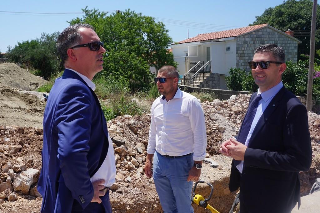 U Orašcu započeli radovi na izgradnji gotovo 30 milijuna kuna vrijednog sustava vodoopskrbe i odvodnje